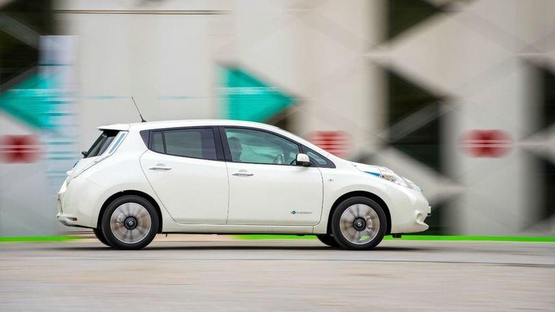 Nuova Nissan Leaf, foglia elettrica da 250 km
