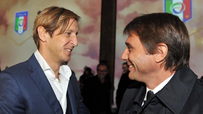 Serie A Ambrosini: «Scudetto? Il Napoli merita di lottare fino alla fine»