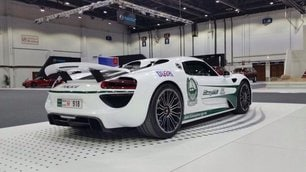 Dubai, la polizia compra Porsche da 800 mila euro