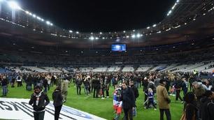 Parigi, panico tra gli spettatori allo Stade de France