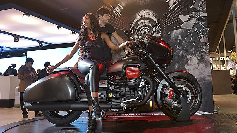 Eicma 2015, Moto Guzzi MGX-21, l'americana made in Italy ...