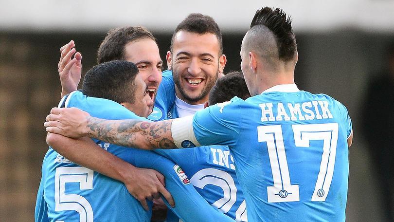 Diretta Verona-Napoli 0-2 Insigne e Higuain, Sarri in vetta