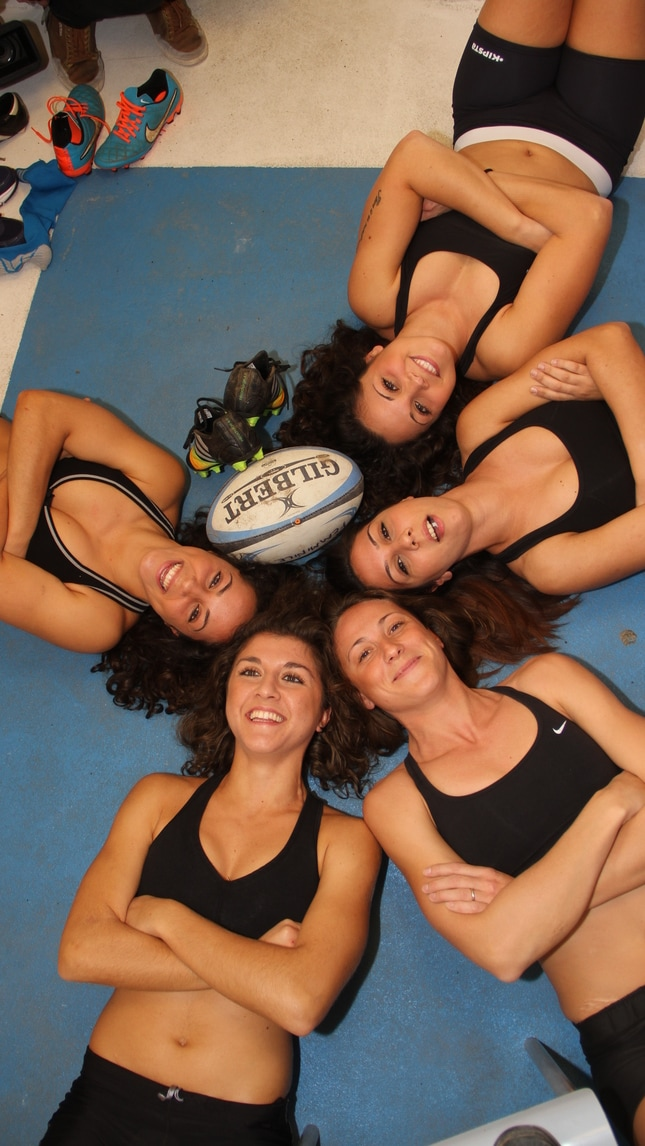 Calendario Ragazze.Il Calendario Delle Ragazze Del Rugby Benevento Corriere