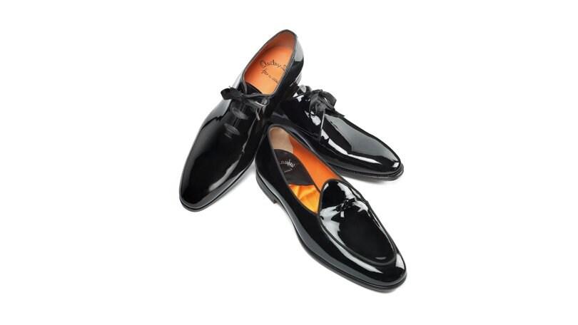 Impeccabile a Capodanno con le calzature di Santoni - Corriere dello ... 6b48eb50d49