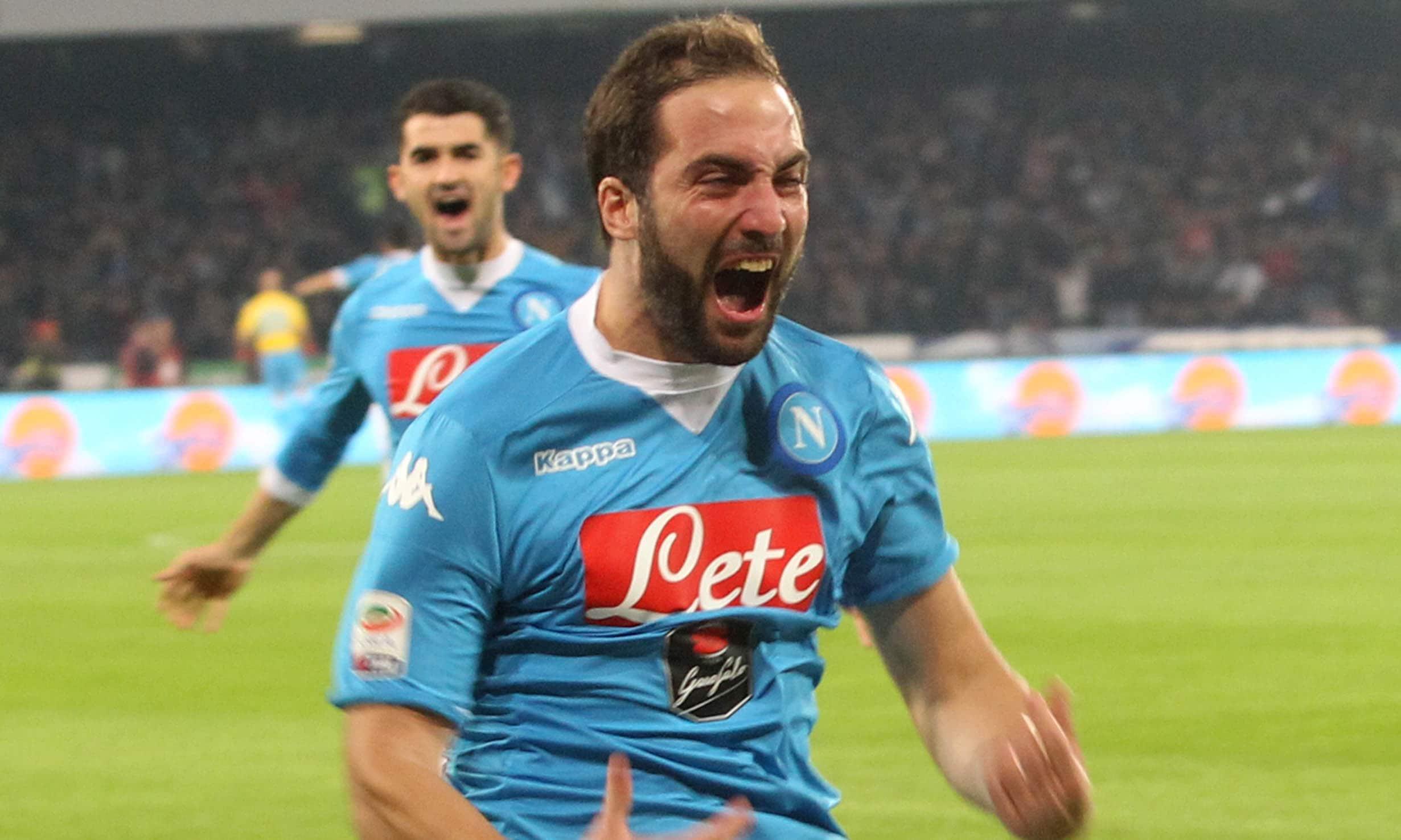 Serie A, Napoli-Inter 2-1: che spettacolo Higuain