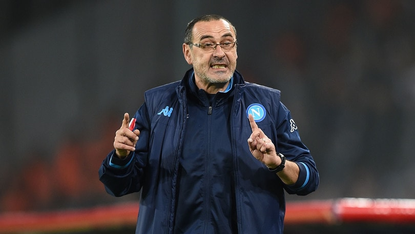 Napoli, Sarri: «Roma favorita. Giocheremo con il cuore»