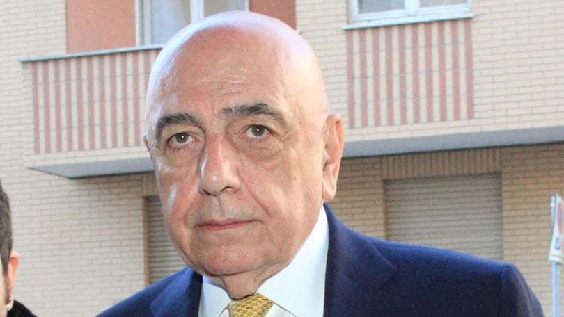 Milan, Galliani: «Mihajlovic deve adattarsi alla nostra linea»