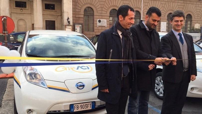 Nissan inaugura il car sharing elettrico