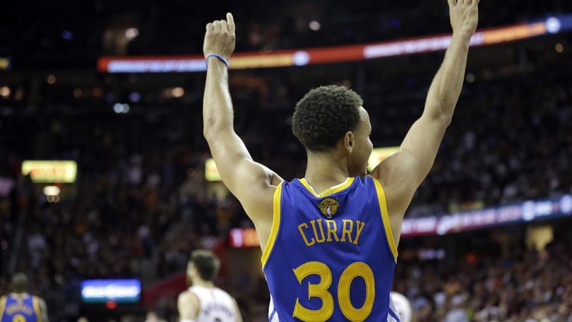 Basket Nba, Curry miglior atleta dell'anno perAssociated Press