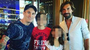 Messi a Dubai, foto con Pirlo e Pogba