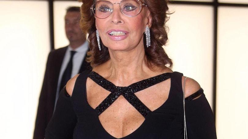 Dopo le feste, in posa come Sofia Loren