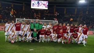 """Roma, che tifo per""""Voi siete leggenda"""": la Curva Sud di nuovo protagonista"""