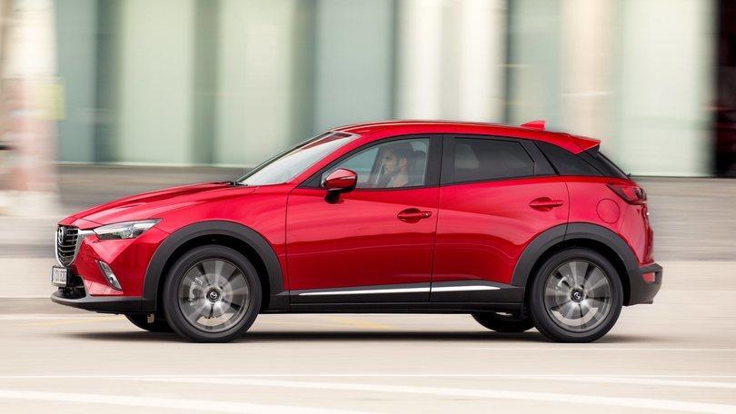 Mazda CX-3, l'alternativa a 500X: la prova su strada