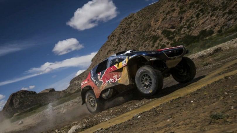 Dakar 2016 tappa 5: ancora Loeb, Al-Attiyah solo tra i leoni