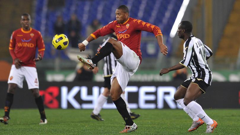 Calciomercato, l'ex Roma Julio Baptista si allena con il Ponferradina