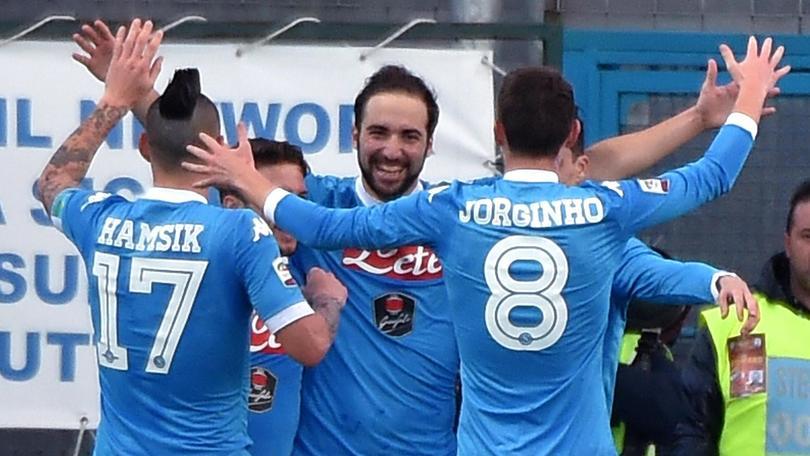 Serie A Napoli, Higuain: «Campioni d'inverno? Serve esserlo a maggio»
