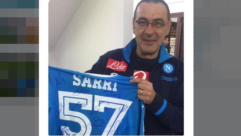 Serie A Napoli, Sarri compie 57 anni. Il regalo della squadra
