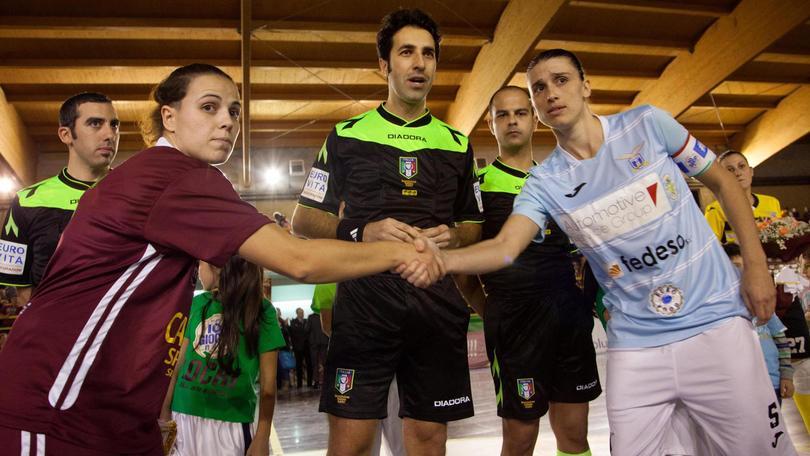 Calcio femminile: Locri in campo dopo le minacce, ko contro la Lazio 3-2