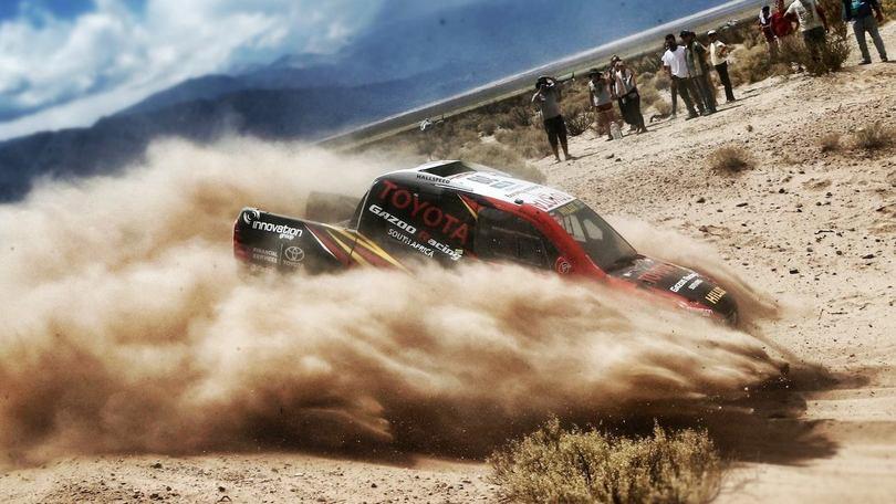 Dakar 2016, Sainz leader ma succede di tutto