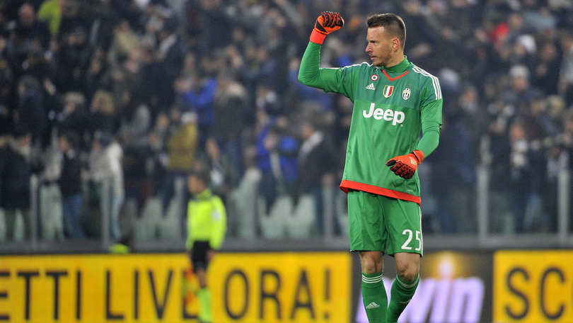 Calciomercato Juventus, Neto: «Orgoglioso di essere il secondo di Buffon»