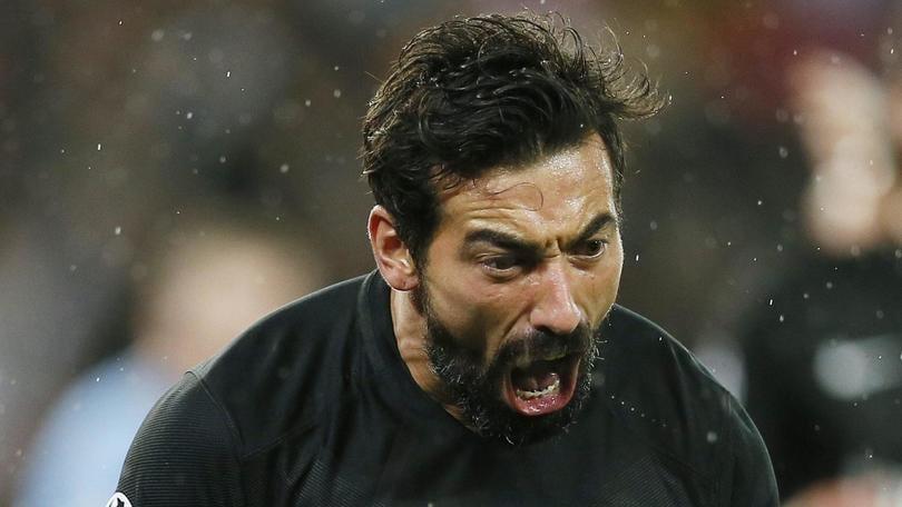 Calciomercato Inter, l'agente di Lavezzi è a Milano