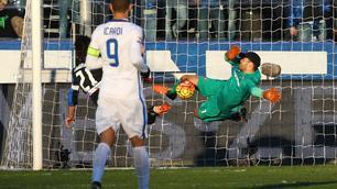 Inter, è un super Handanovic: che parata su Cigarini!