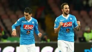 Serie A, Napoli-Sassuolo 3-1: Higuain, doppietta da fenomeno!