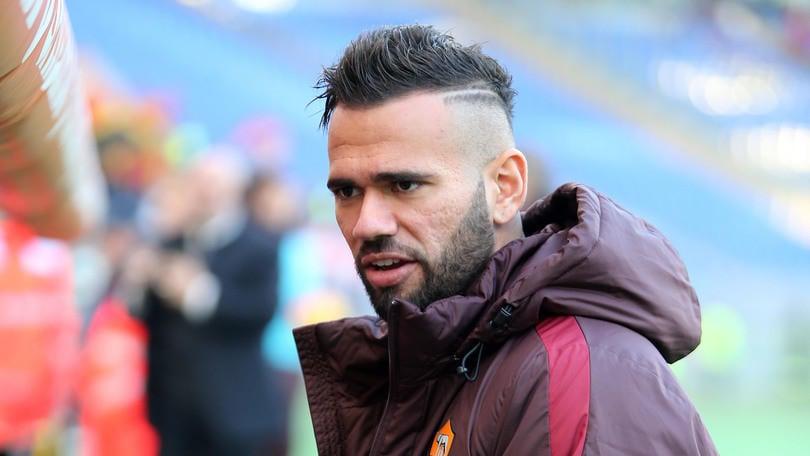 Calciomercato Roma, Castan torna in Brasile:ora Nacho Fernandez o Umtiti