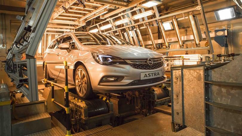 Opel Astra Sports Tourer: che resistenza nella camera climatica!