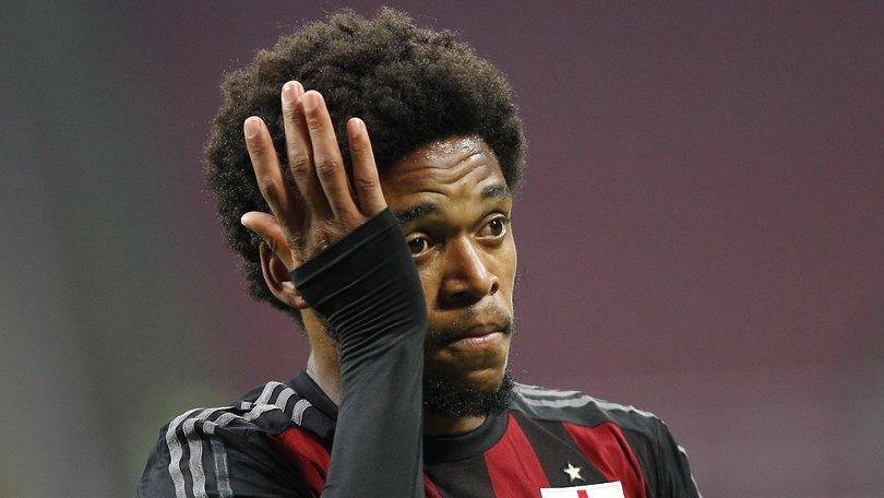 Calciomercato, dal Brasile: «Luiz Adriano torna al Milan»