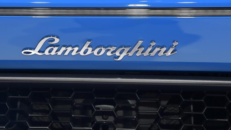 Lamborghini, chiusa l'era del cambio manuale
