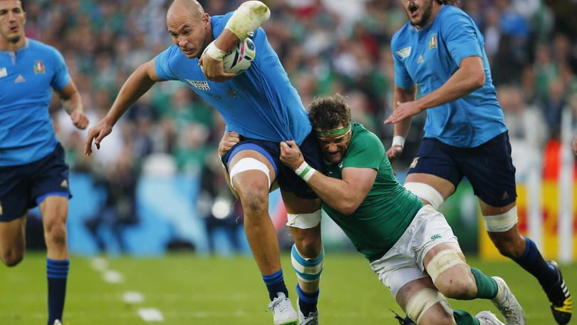 Rugby, Parisse non s'illude: