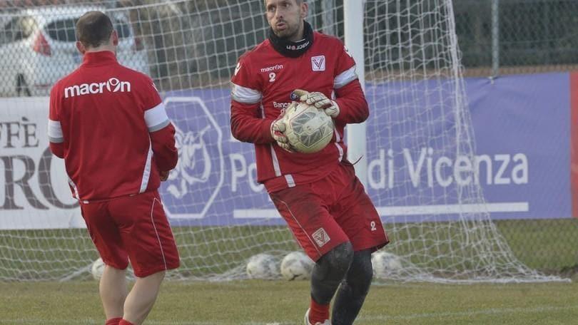 Calciomercato Carpi, Benussi rescinde e va a Vicenza
