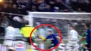 Juventus-Inter, il fallo di mano di Medel. La fotosequenza