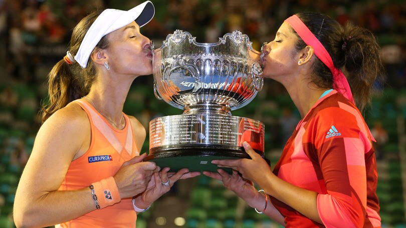 Australian Open, Hingis e Mirza vincono il doppio
