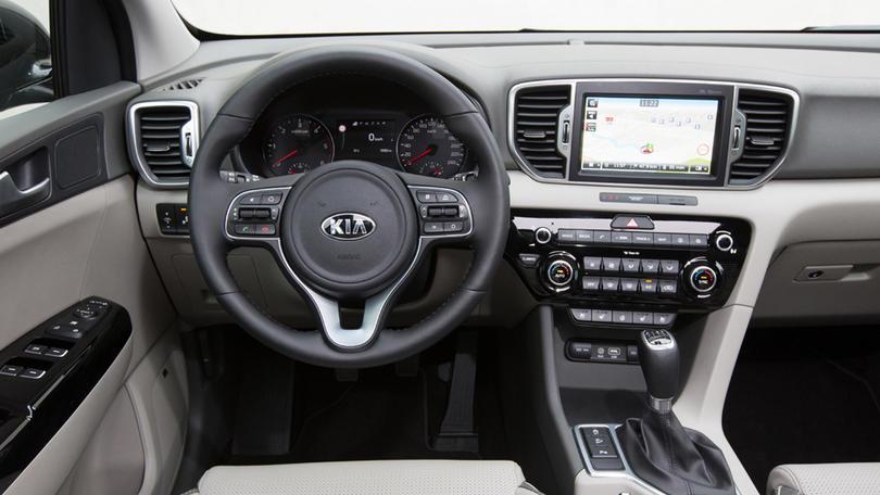 Kia Sportage: il SUV che ricarica i cellulari