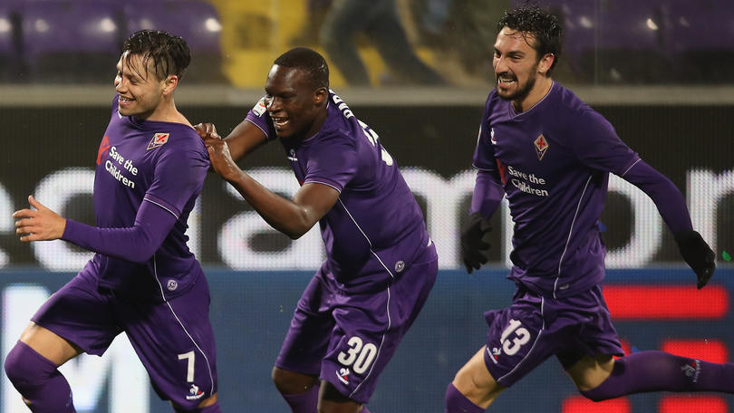 Riecco Zarate, Fiorentina terza. Samp-Toro batticuore, Pazzini regala la prima vittoria al Verona