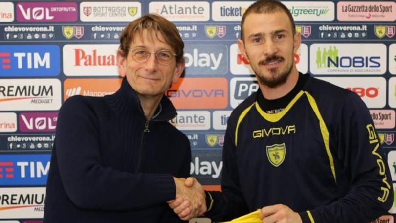 Calciomercato, Floro Flores si presenta: «Chievo, darò una mano»