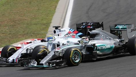 F.1, Mercedes in pista il 19 a Silverstone