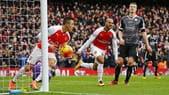Premier League: Arsenal-Leicester 2-1, Aston Villa-Liverpool 0-6
