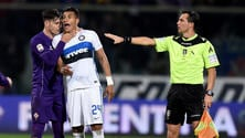 Serie A, Fiorentina-Inter, Zarate espulso: «Scusate per la brutta scena»