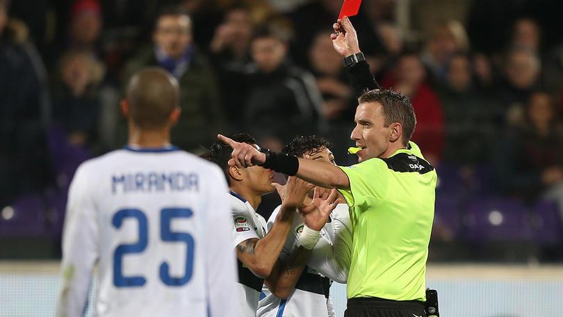 Serie A, la moviola: Mazzoleni inguardabile, sbaglia tutto!