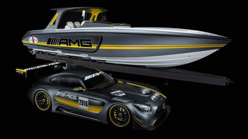 Mercedes-AMG GT3 diventa un… motoscafo da 160 km/h