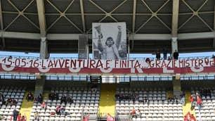 """Torino-Carpi, striscione per Ventura: """"Grazie, ma avventura finita"""""""