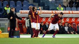 Roma-Palermo, Strootman torna in campo e l'Olimpico lo applaude
