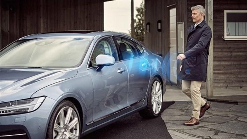 Volvo, dal 2017 addio chiave, basta l'app