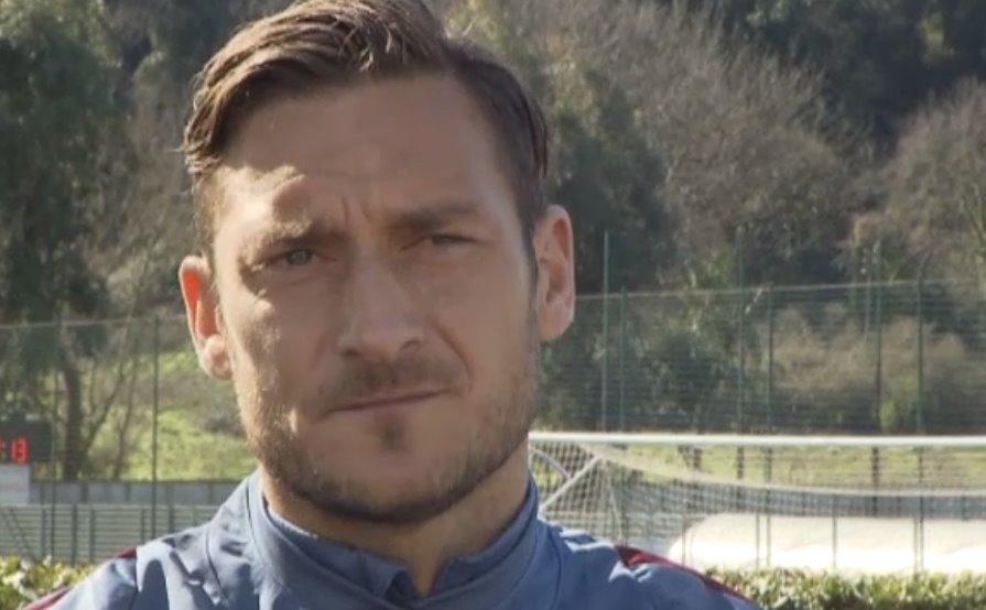 """Totti: «""""Che ci fai con me"""" solo una battuta»"""