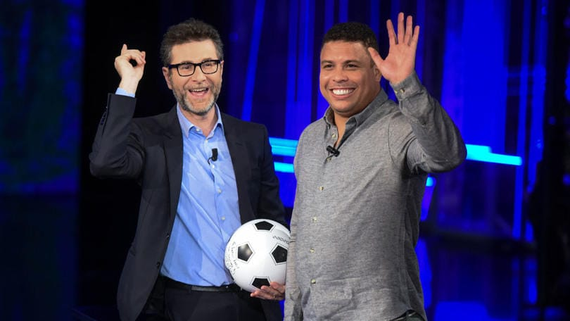 Ronaldo non vado al mare per nascondere la pancia - Non vado in bagno ...