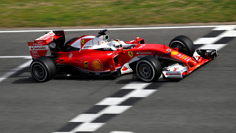 F1, Vettel domina la prima giornata di test