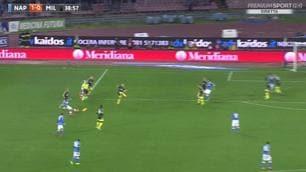Napoli-Milan, i gol di Insigne e Bonaventura: la fotosequenza